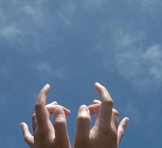 私の手.png